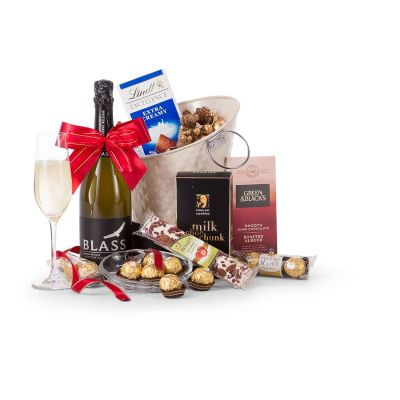 CHOCOLATE & BUBBLES GIFT HAMPER